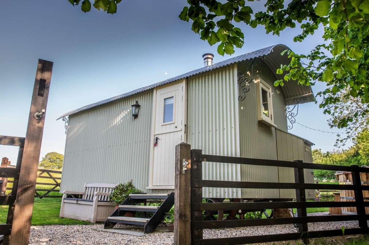 Holmebeck Shepherd Huts website